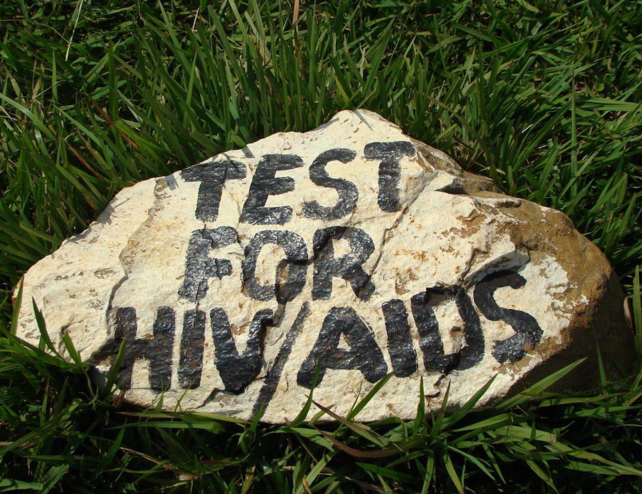 Hinweise auf die Gefahren von HIV und Aids liest man in vielen Schulen